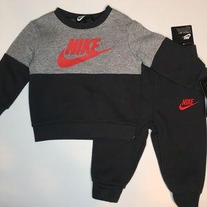 NWT. Nike Sweatshirt & Sweatpants Set